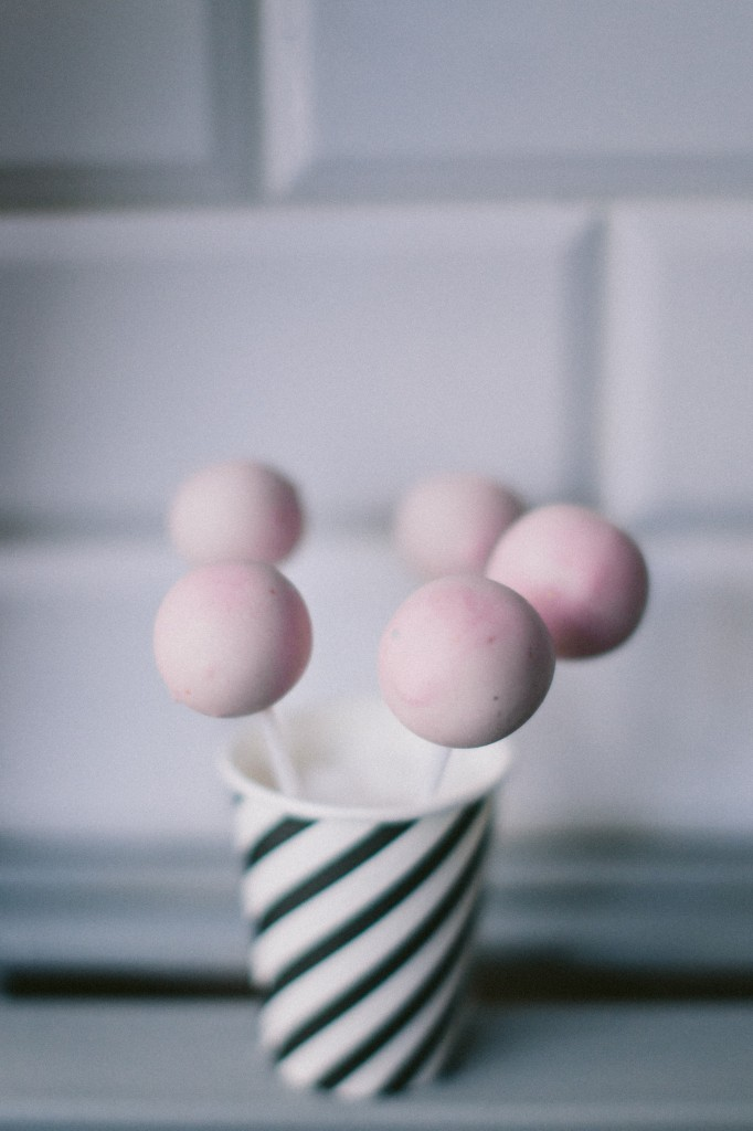 cake pops rose quartz